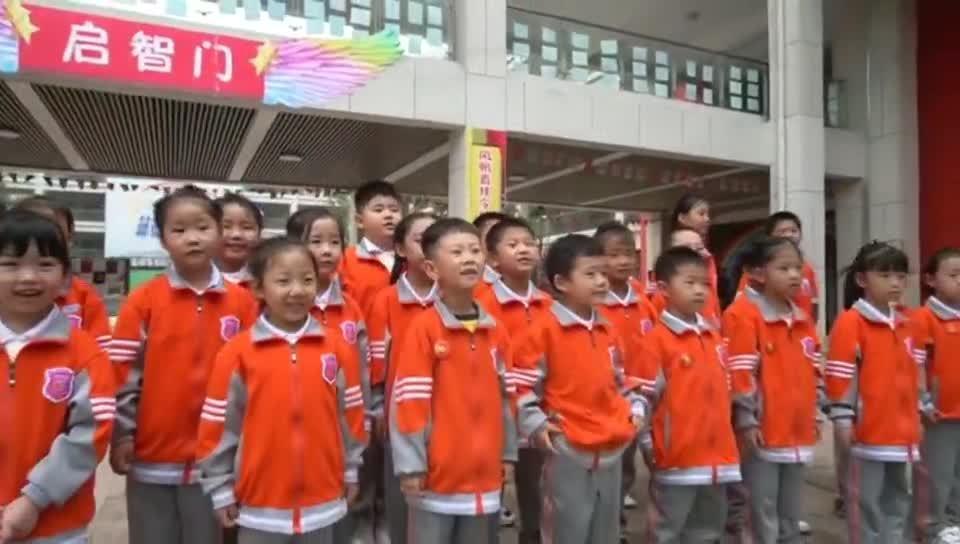 【西部國際商貿城·微視頻大賽作品302】小學生手繪長壽面  祝福祖國生日快樂